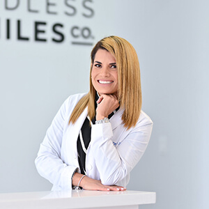 dr-Odelsis-Barrero-holding-dental-sample